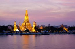 bangkok-dinner-cruise-on-the-chao-phraya-river-in-bangkok